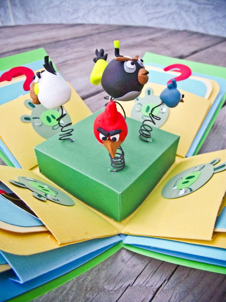 HOW TO MAKE AN AWESOME ANGRY BIRDS EXPLOSION BOX (Free Tutorial)!!